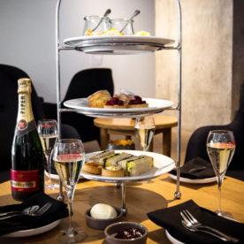 http://www.highteasociety.com/2016/08/win-high-tea-at-eat-drink-western-foyers-sydney-opera-house/